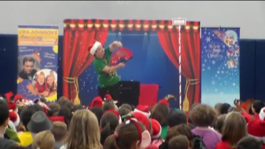 Christmas Show, Cris Johnson, magic, magic show, Christmas magic show, library show, school assembly